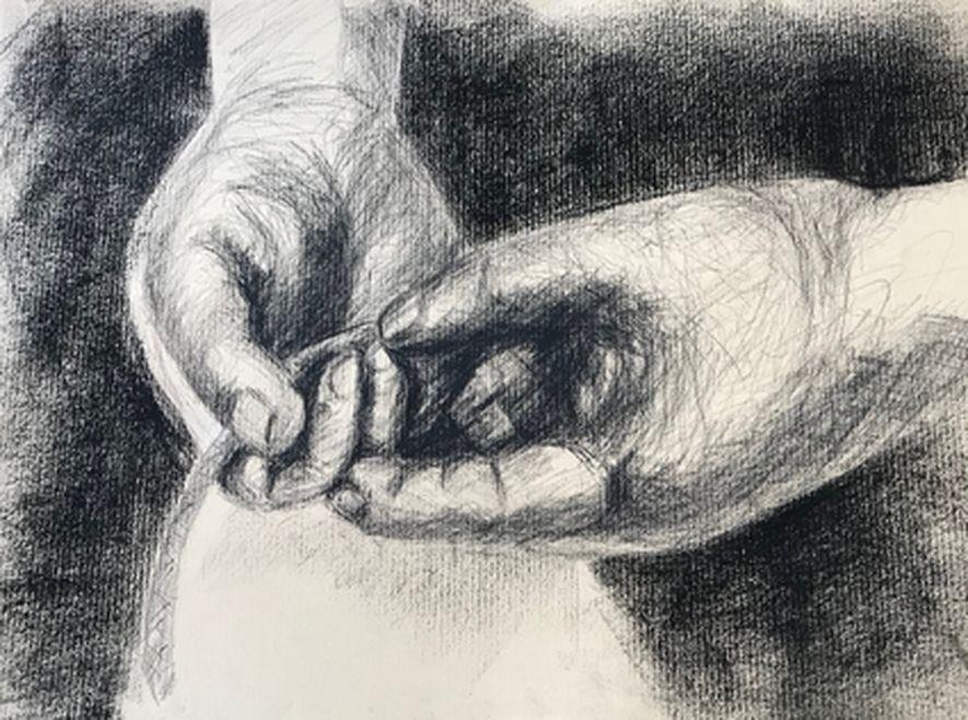 Monique mains pierre noire 06:2019